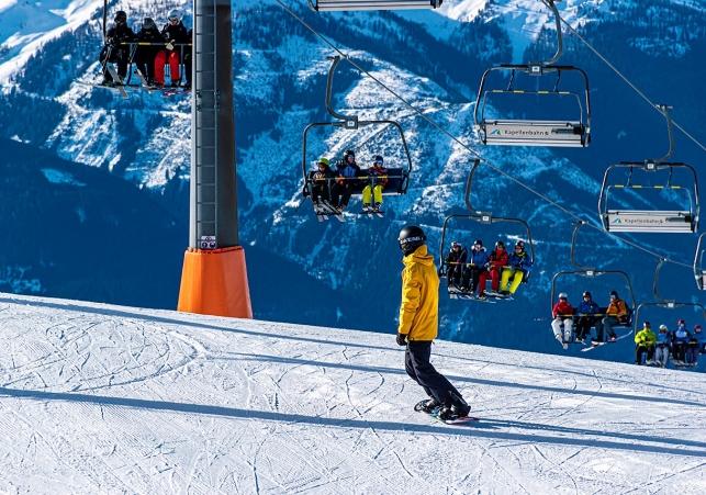 snowboarding-4763731_1280