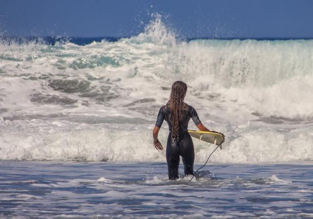 surfer-3729052_1280