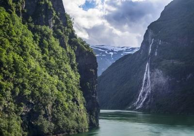 waterfall-5838582_1280