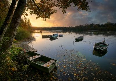 lake-5756911_1280